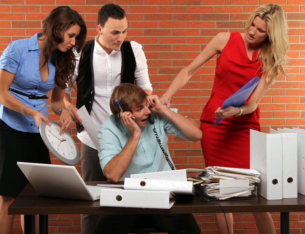 人間関係で公務員を辞めたい人がとるべき行動【後悔しないための提案】